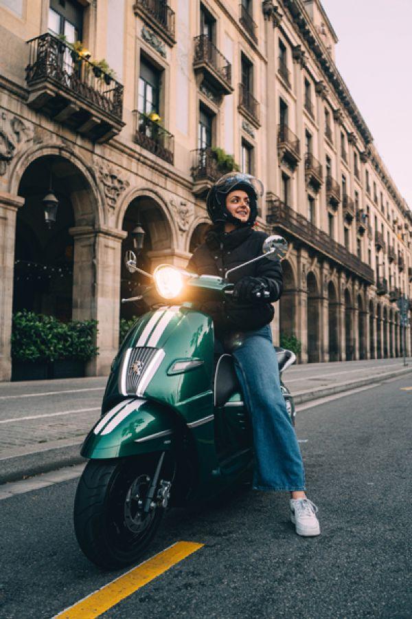 django-18-racing-green-barcelona154A31F1-F0A1-C4CE-47E1-81A93D56BC38.jpg